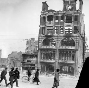 Beside the iconic ruins of the Dublin Bread Company on Dublin's Lower Sackville/O'Connell Street in late May/early April 1916 were the ruins of the smaller Grand Cinema, its projection box visible.